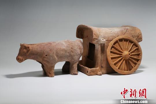 图为陶车。陕西省考古研究院 供图