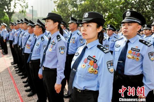 """寻找""""三秦最美人民警察""""活动正式启动。陕西警方"""