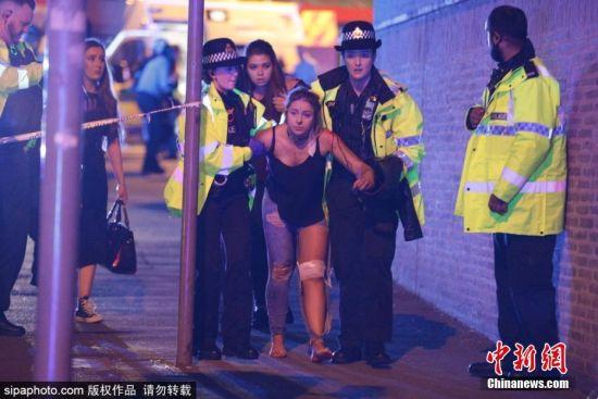 英国曼彻斯特体育场发生爆炸 数百人死伤