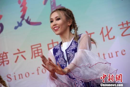 """30余国留学生""""自荐""""家乡文化 丝路""""风味""""引热捧"""