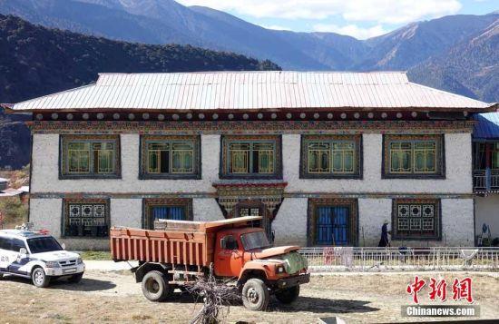 西藏林芝地震5700余间房屋受损