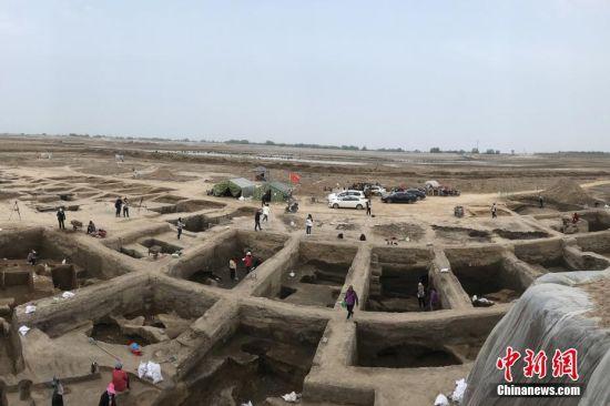 山东菏泽发现156座连片汉墓