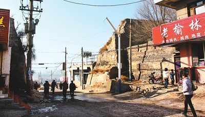 """""""城墙豁子""""成为连接城内外的通道"""